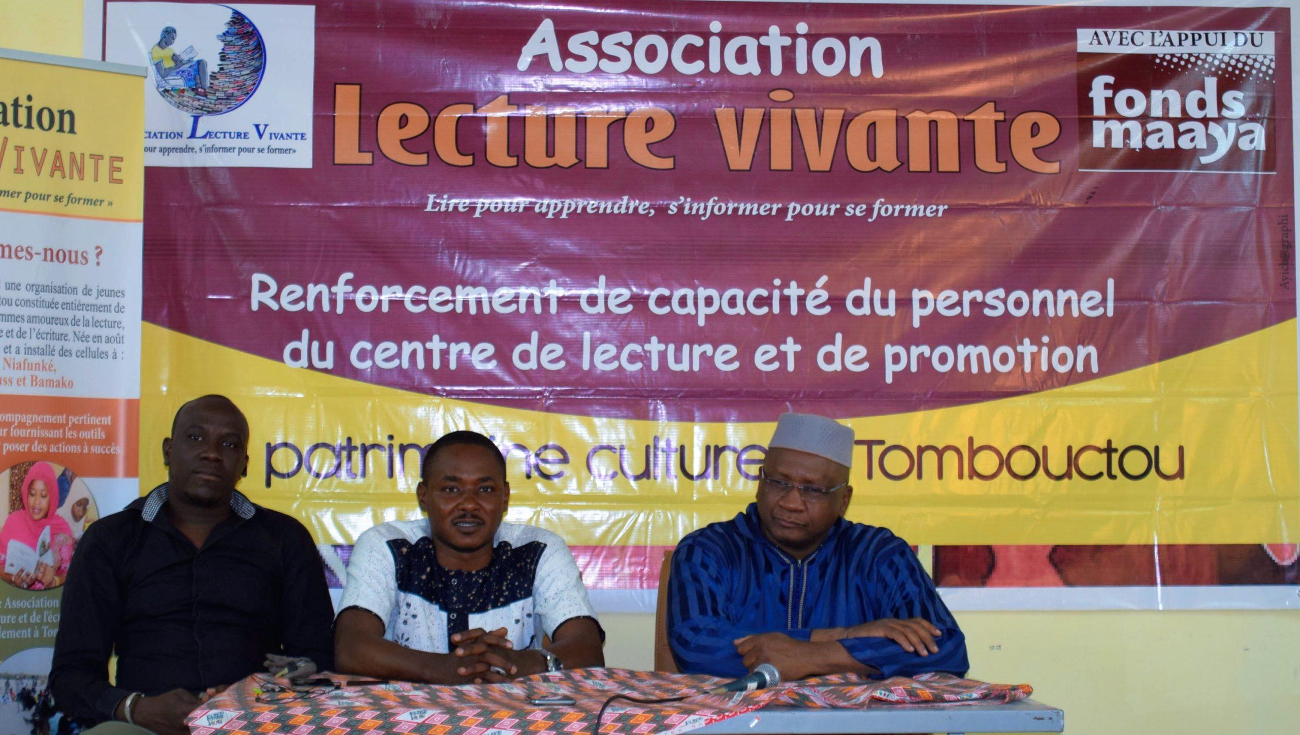 Le centre de lecture et de promotion du patrimoine culturel de « Lecture Vivante » amorce son projet de renforcement des capacités de son personnel.