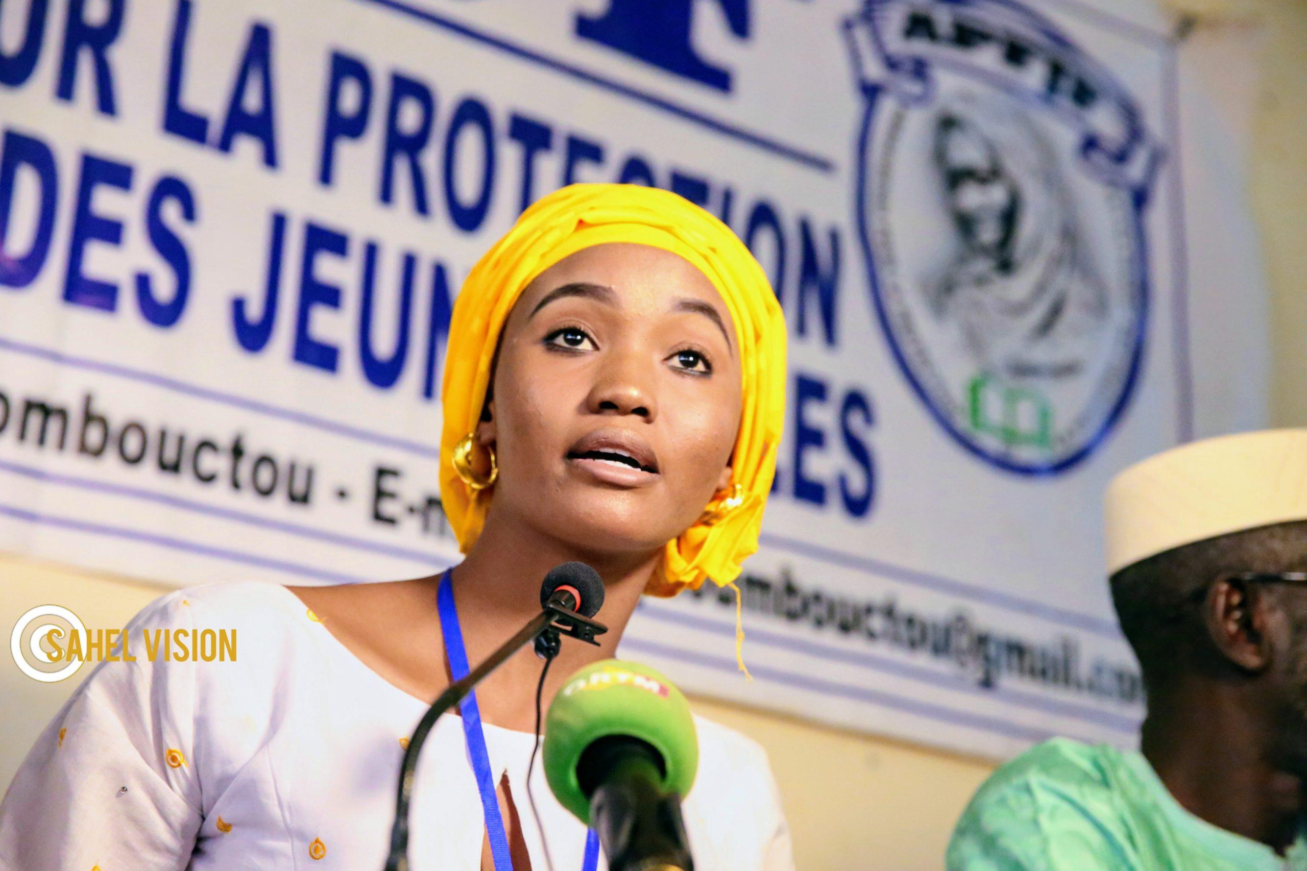 L'association pour la Protection et la Formation des Jeunes Filles de Tombouctou représente son bilan annuel aux partenaires.