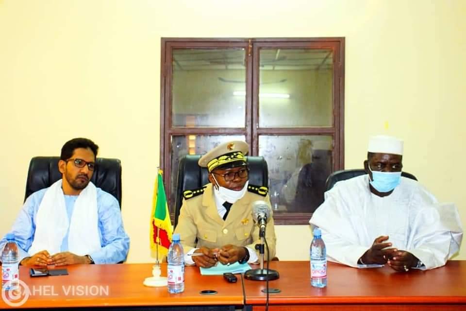 Le chef de l'exécutif régional Monsieur Bakoun Kanté rencontre la société civile de Tombouctou.