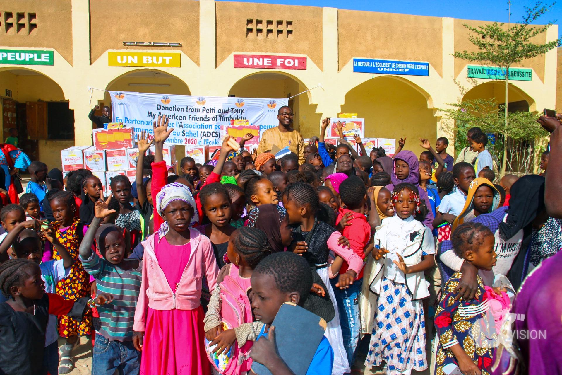L'Association pour le Développement Communautaire au Sahel ADCS, apporte plus pour maintenir les enfants à l'école.